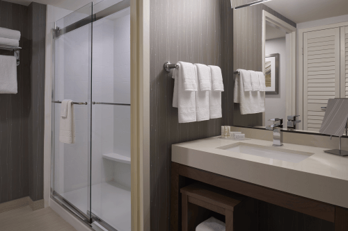 courtyard by marriott toronto badkamer.png