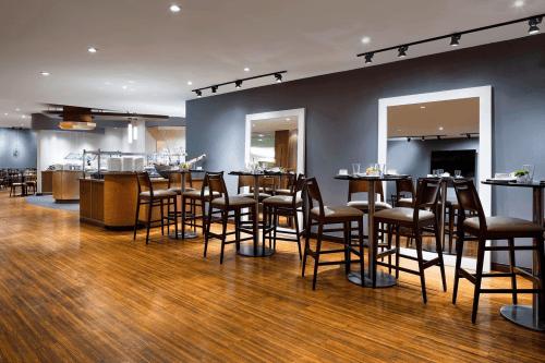 westin harbour castle hotel restaurant.png