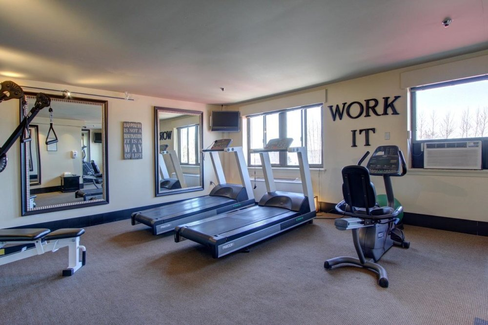 inlet tower hotel and suites fitness.jpg