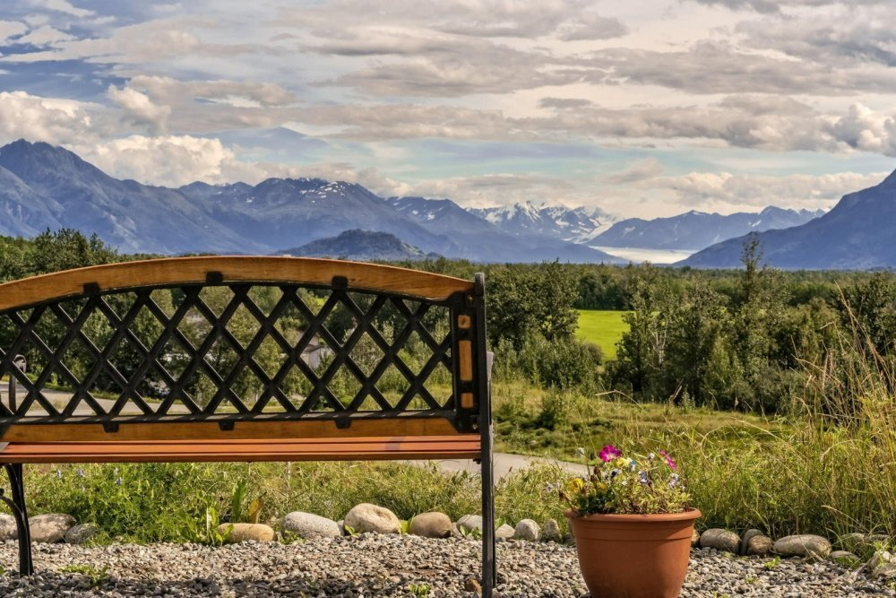 alaska garden gate bb omgeving.jpg