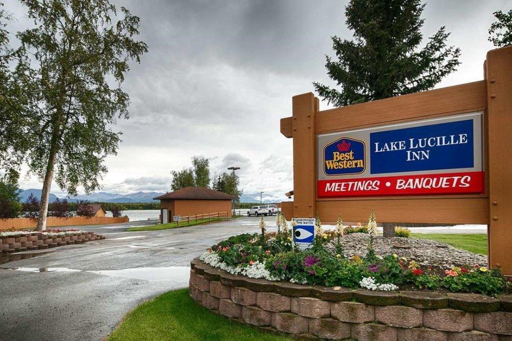 best western lake lucille entree.jpg