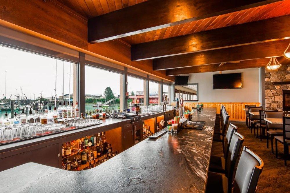 best western valdez harbor inn bar.jpg