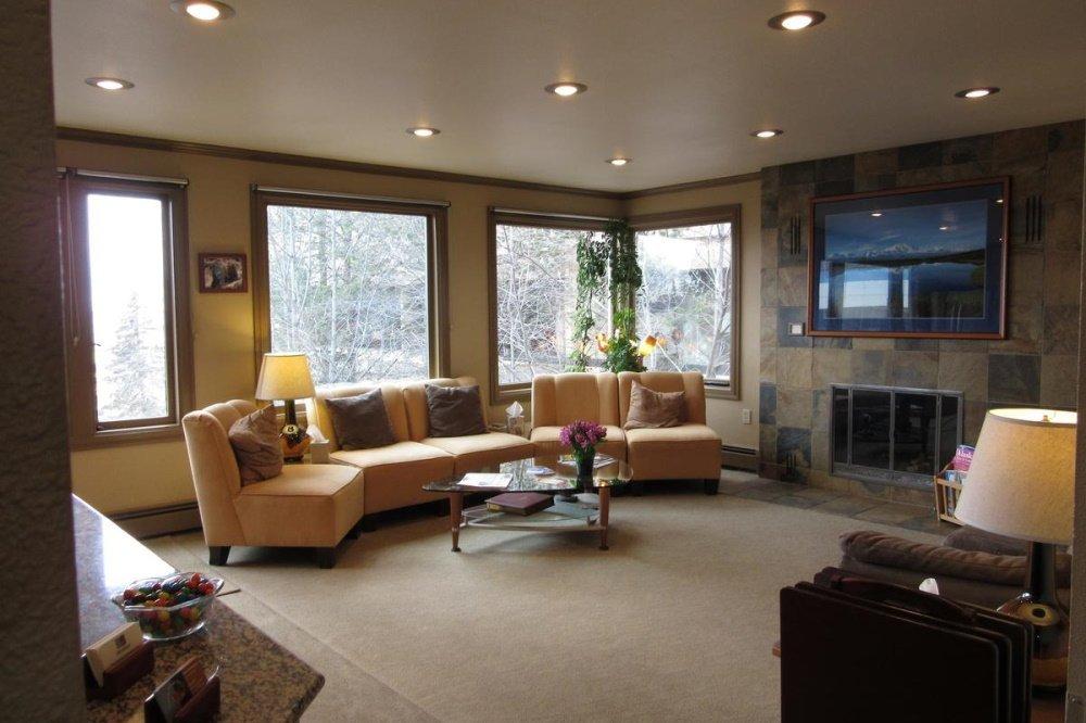 copper whale inn lounge.jpg