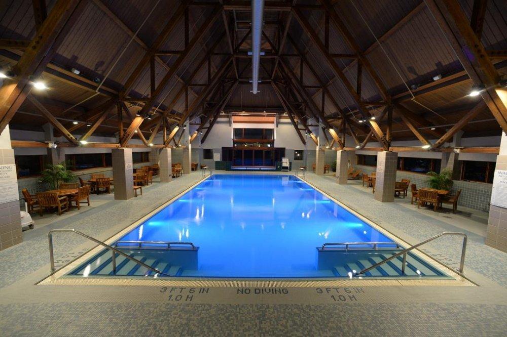 hotel alyeska zwembad.jpg