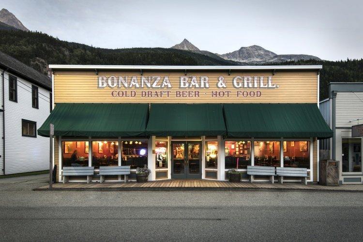 westmark inn skagway bar en grill.jpg