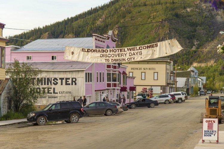 eldorado hotel straat.jpg