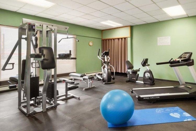 days inn whitehorse fitness.jpg
