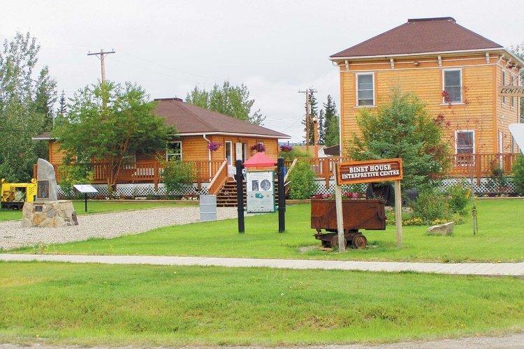 bedrock motel buitenkant 2.jpg