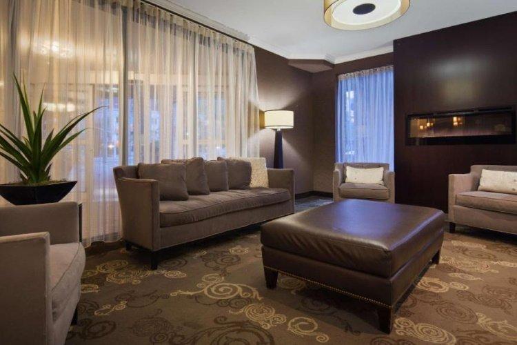 best western plus ottawa downtown suites lobby.jpg