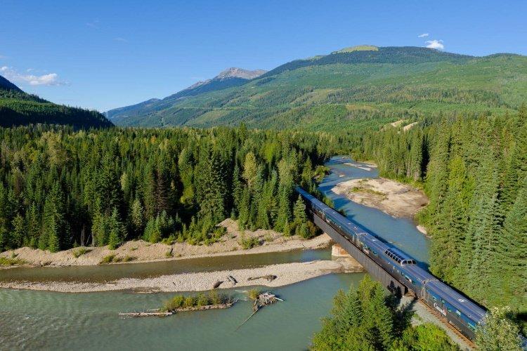 via rail - the canadian 001.jpg
