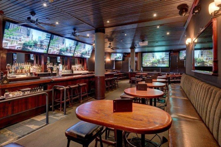 whistler village inn suites bar.jpg