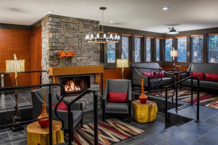 whistler village inn suites lounge.jpg