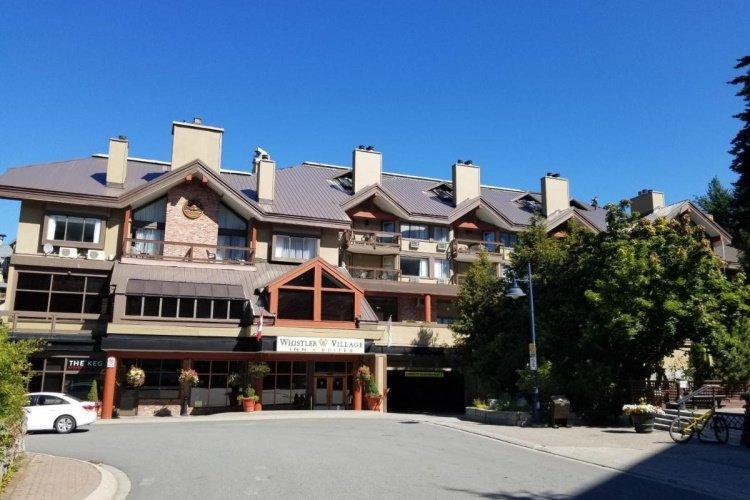 whistler village inn suites voorkant.jpg