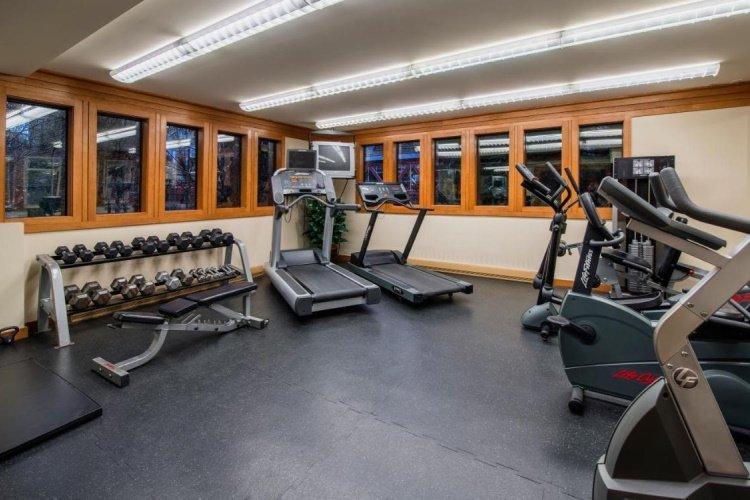 whistler village inn suites fitness.jpg
