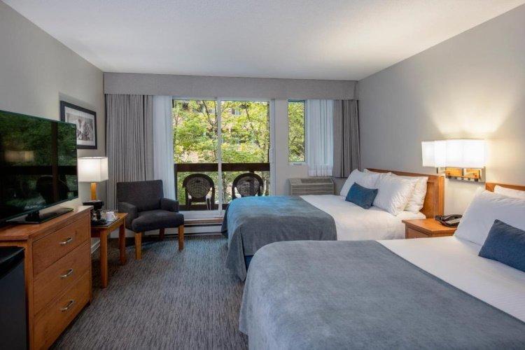 whistler village inn suites room.jpg