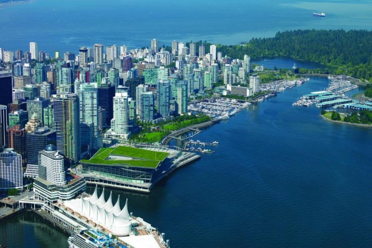 holiday inn suites vancouver downtown stad.jpg
