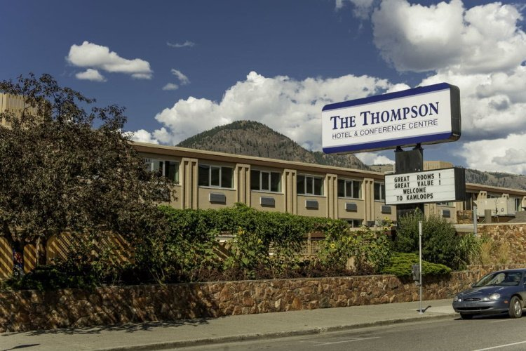 thompson hotel conference centre kamloops buiten.jpg