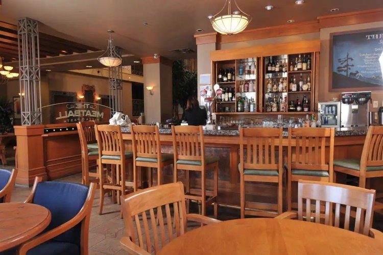 banff ptarmigan inn bar.jpg