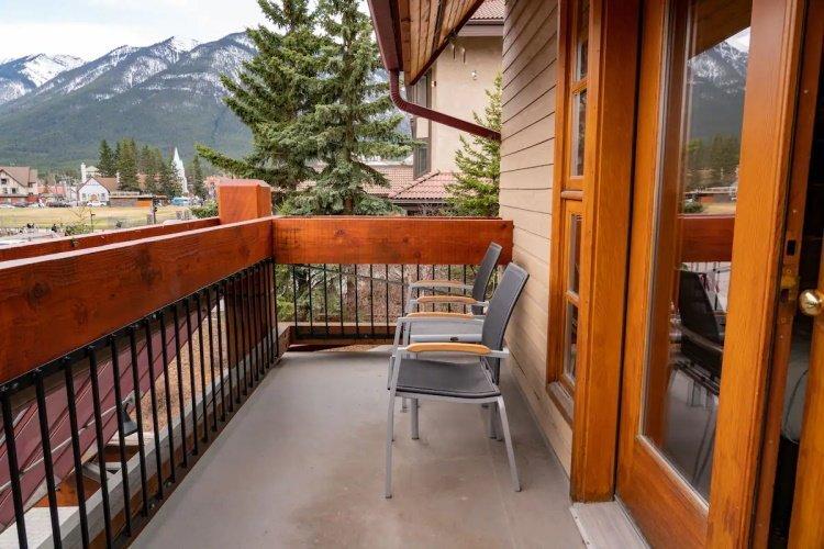 banff ptarmigan inn balkon.jpg