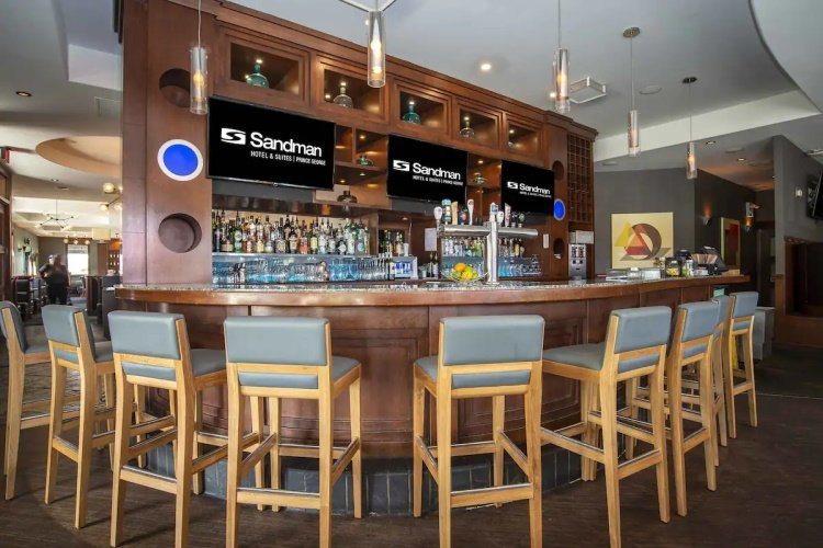 sandman inn & suites prince george bar.jpg