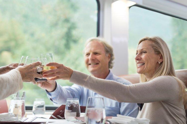 goldleaf 012 rm18_onboard_goldleaf_service_dining-1.jpg