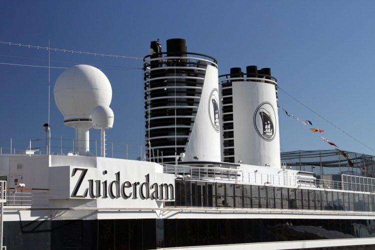 holland america line ms zuiderdam 002.jpg