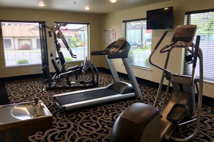 aspen suites hotel homer fitness.jpg