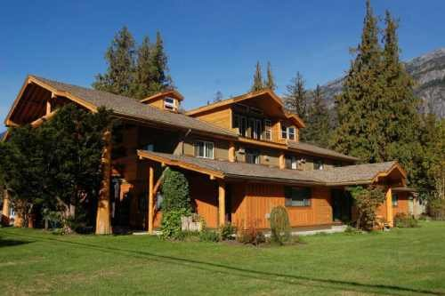 Bella Coola Mountain Lodge 001