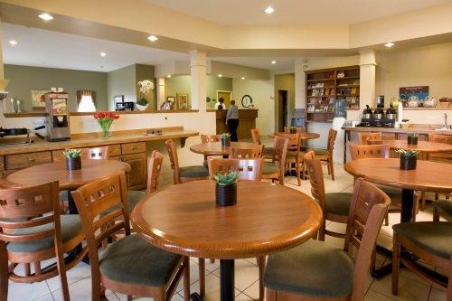 Amsterdam Inn & Suites Moncton 006
