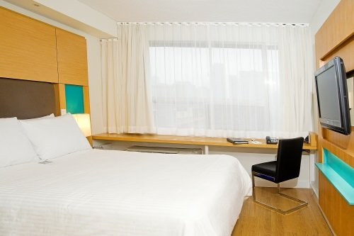 Bond Place Hotel 003