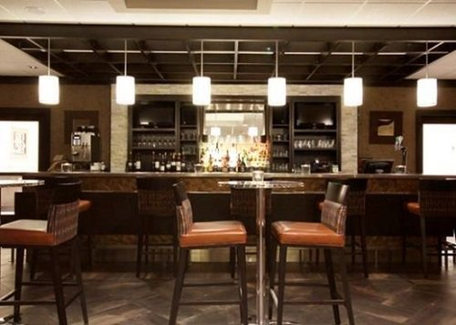 Comfort Suites Conference Centre bar