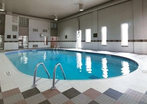 Comfort Suites Conference Centre pool