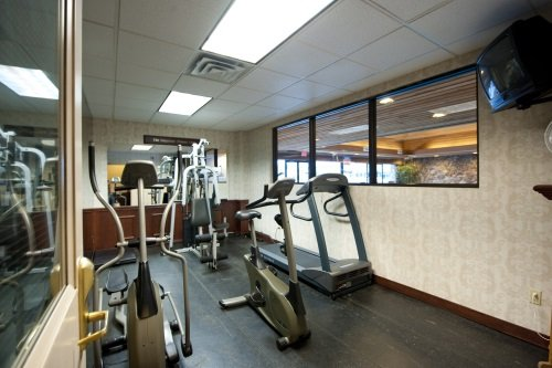 Thompson Hotel & Conference Centre gym