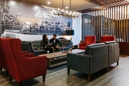 Elk + Avenue Hotel lounge