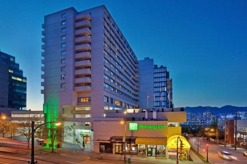 Holiday Inn Vancouver Centre buitenkant