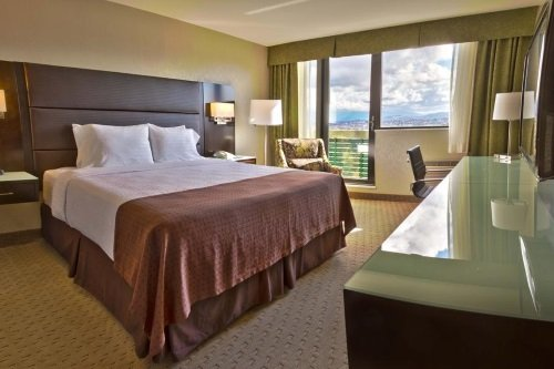 Holiday Inn Vancouver Centre kamer