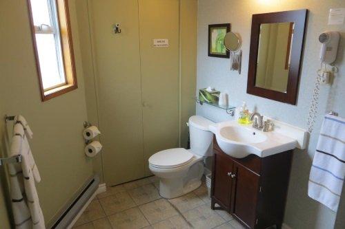 Schooner Motel badkamer
