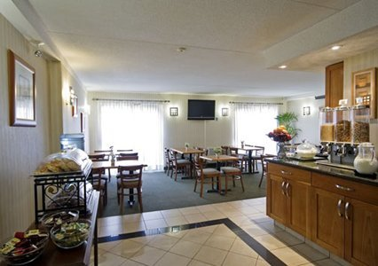 Comfort Inn Kitchener 05.[1]