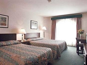 Executive Hotel Harrison Hot Springs 02.[1]