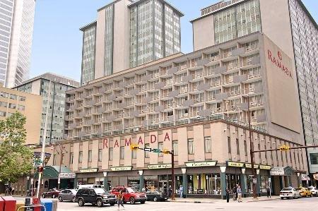 Ramada Hotel Downtown Calgary 01.[1]