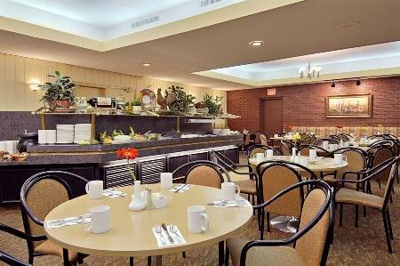 Ramada Hotel Downtown Calgary 05.[1]