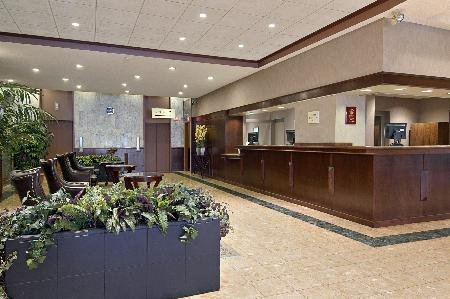 Ramada Hotel Downtown Calgary 06.[1]