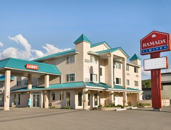 Ramada Limited 100 Mile House 01.[1]