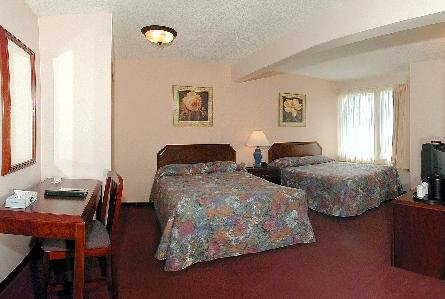 Sandman Hotel & Suites Victoria 02
