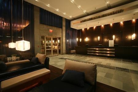 Sandman Hotel Calgary West 01