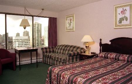 Sandman Hotel Vancouver City Centre 02